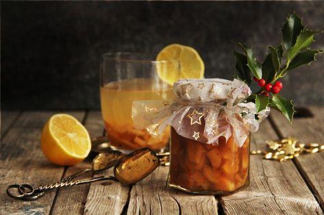 Pečený čaj ve vánočně ozdobené sklenici