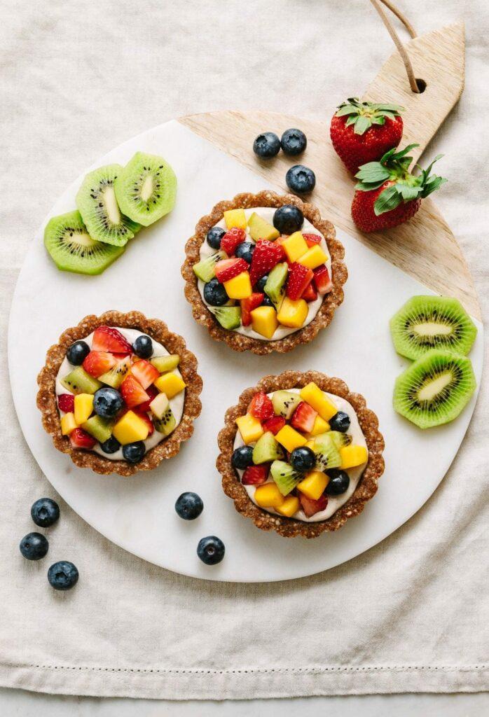 zdravé raw tartalette s ovocem