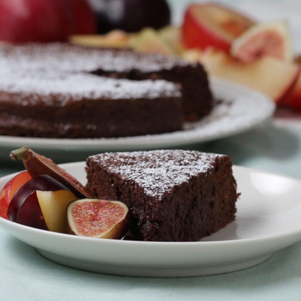 jednoduchý dort s fíky a nektarinkami