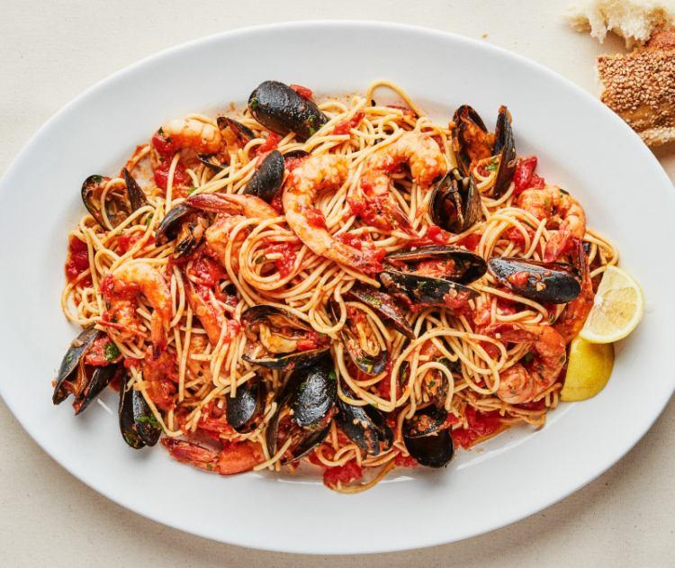 Špagety s krevetami a mušleni