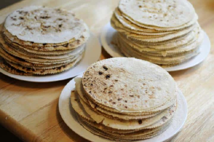 Bramborové placky na talířích