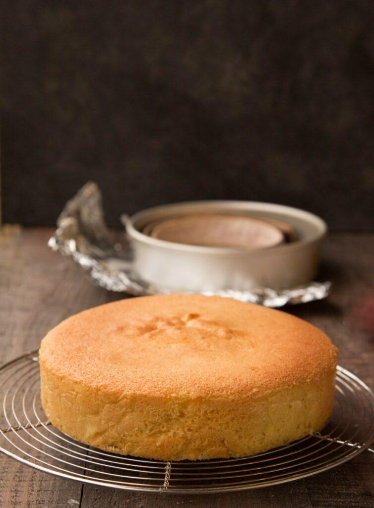 nadýchané základní piškotové těsto na dort