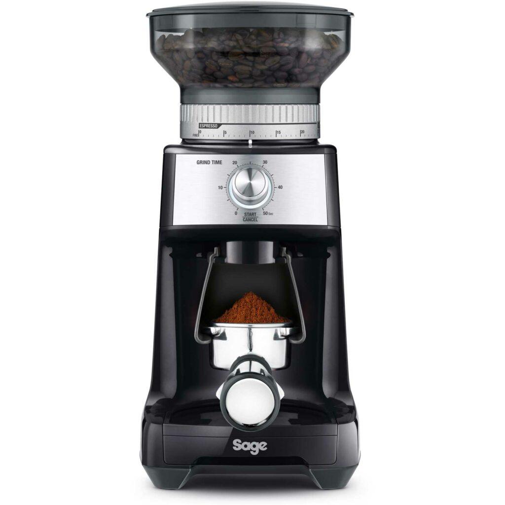 Elektrický kávový mlýnek.