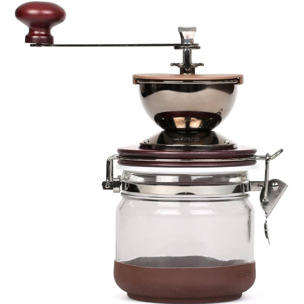 Mechanický kávový mlýnek Hario.