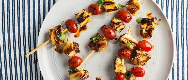 Sýrová varianta špízu s rajčaty