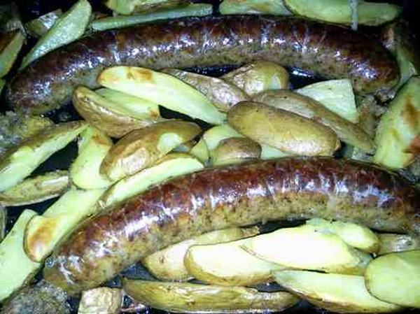 Zabíjačková pochoutka pečená v troubě společně s bramborami